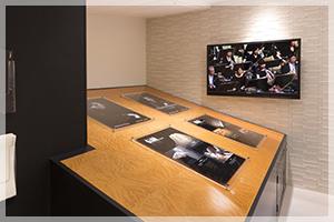 JR浜松駅  新幹線コンコース展示場にShigeru Kawai