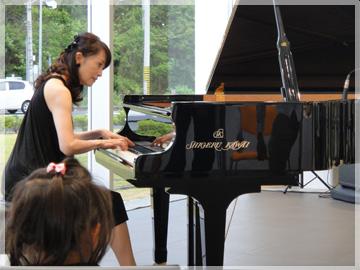 Audi三重四日市様リニューアルイベントで Shigeru Kawaiによるコンサートを開催